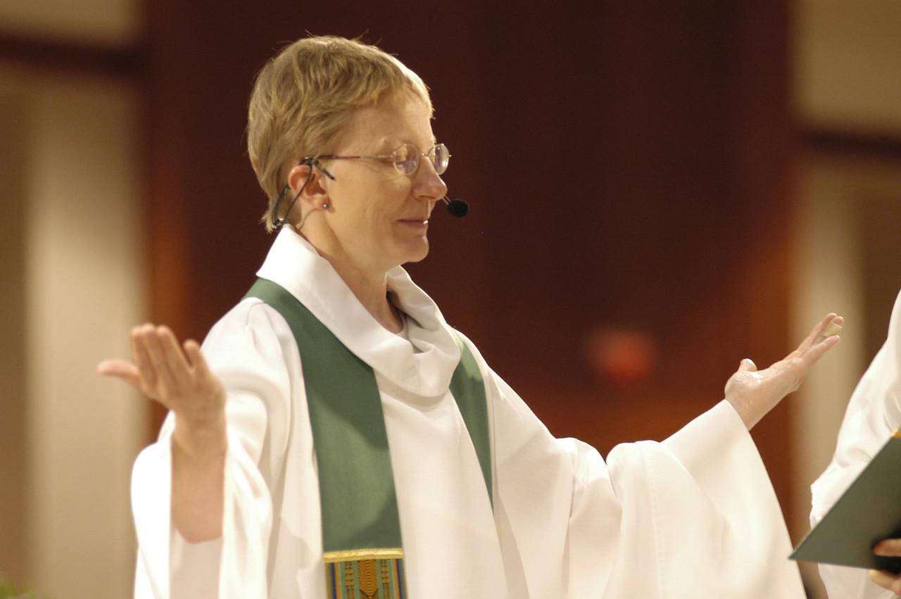 Pr. Shelley Wickstrom (Boseman, Mont.) presided at Thursday's worship service.