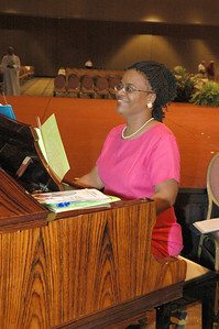 Gayle Hill of the Detroit Coalition Mass Choir which sang at Tuesday's worship.