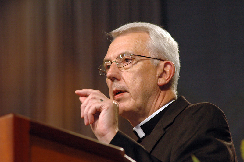 "In Lowell Almen's acceptance speach of the Servus Dei award, he asks the assembly to ""tell the story."""
