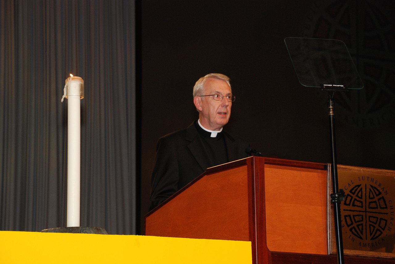 Servus Dei medal presentation to the Rev. Lowell G. Almen, ELCA secretary.