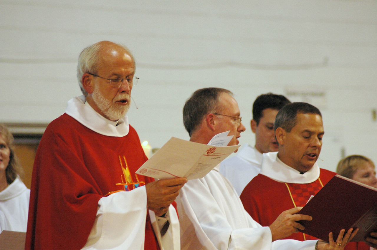 Presiding Bishop Mark S. Hanson, Michael Burk and Carlos Peña lead the opening worship service