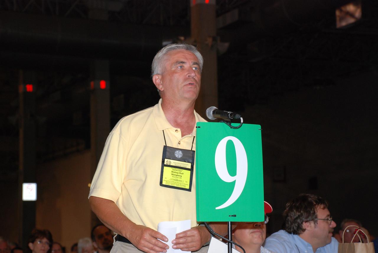 Voting Members suggesting an amendment.