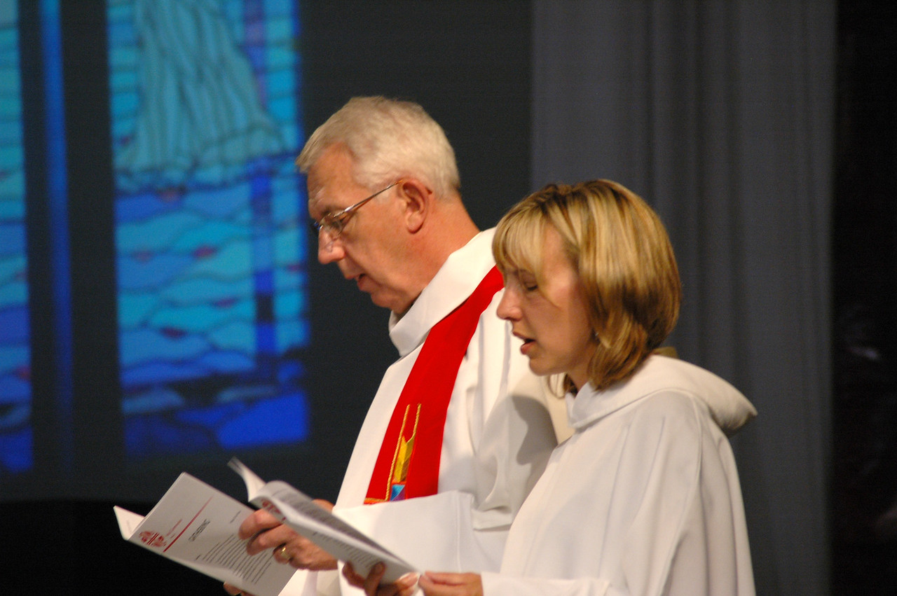 Lowell Almen and Christina Jackson-Skelton during opening worship