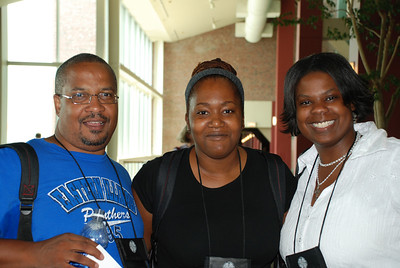 Kim Bryant helping out and directing Pr. Booker Vance and Pr. Cecee Mills to the 2007 Churchwide Assembly.