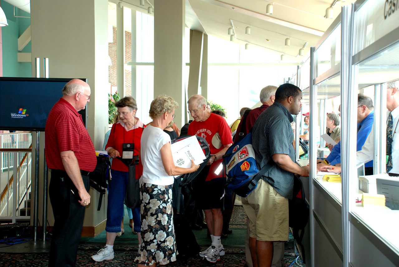 Voting Members registering for the 2007 Churchwide Assembly.