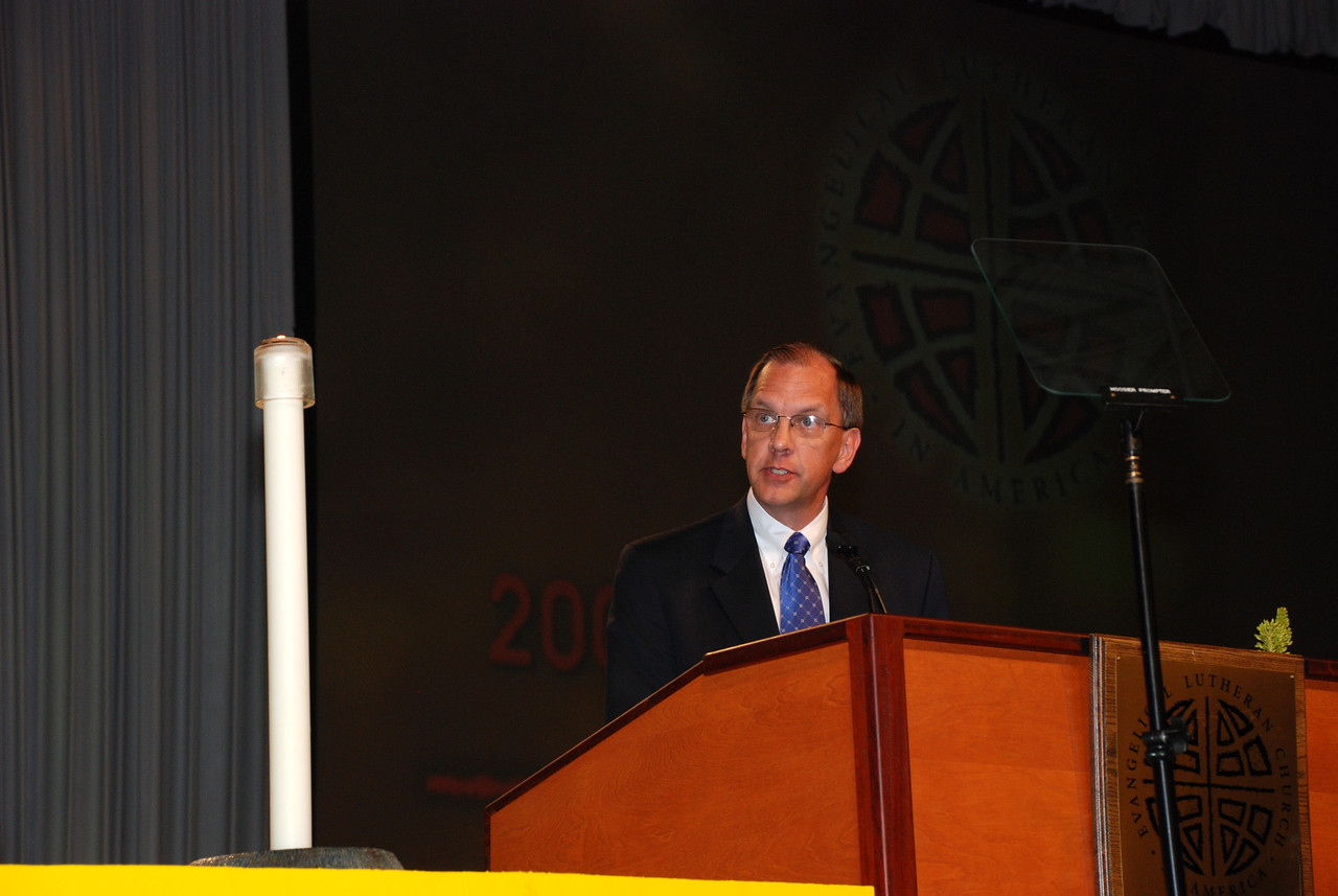 Mark Grorud addresses the assembly as a nominee before that third ballot for ELCA secretary.