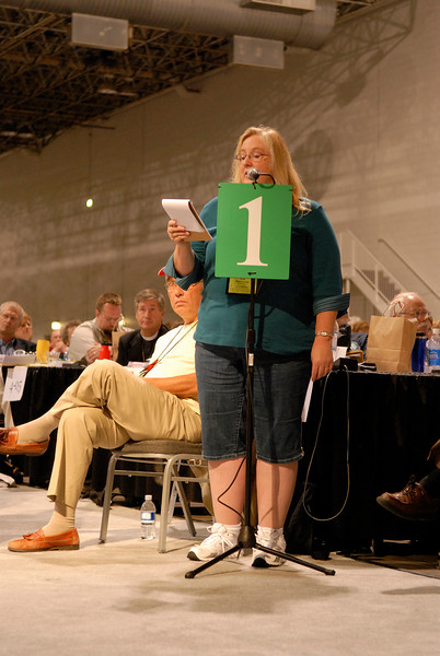 Katie Abercrombie takes a turn at the microphone during the 2007 Churchwide Assembly.