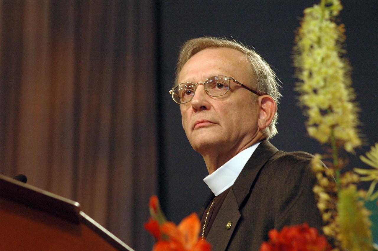 Memorials - The Rev. Kenneth Ruppar