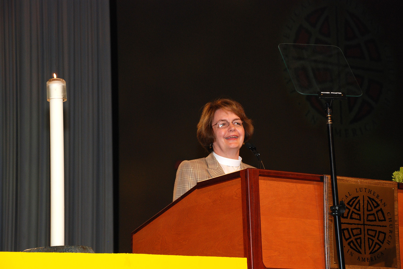 Andrea DeGroot-Nesdahl addresses the assembly as a nominee before that third ballot for ELCA secretary.