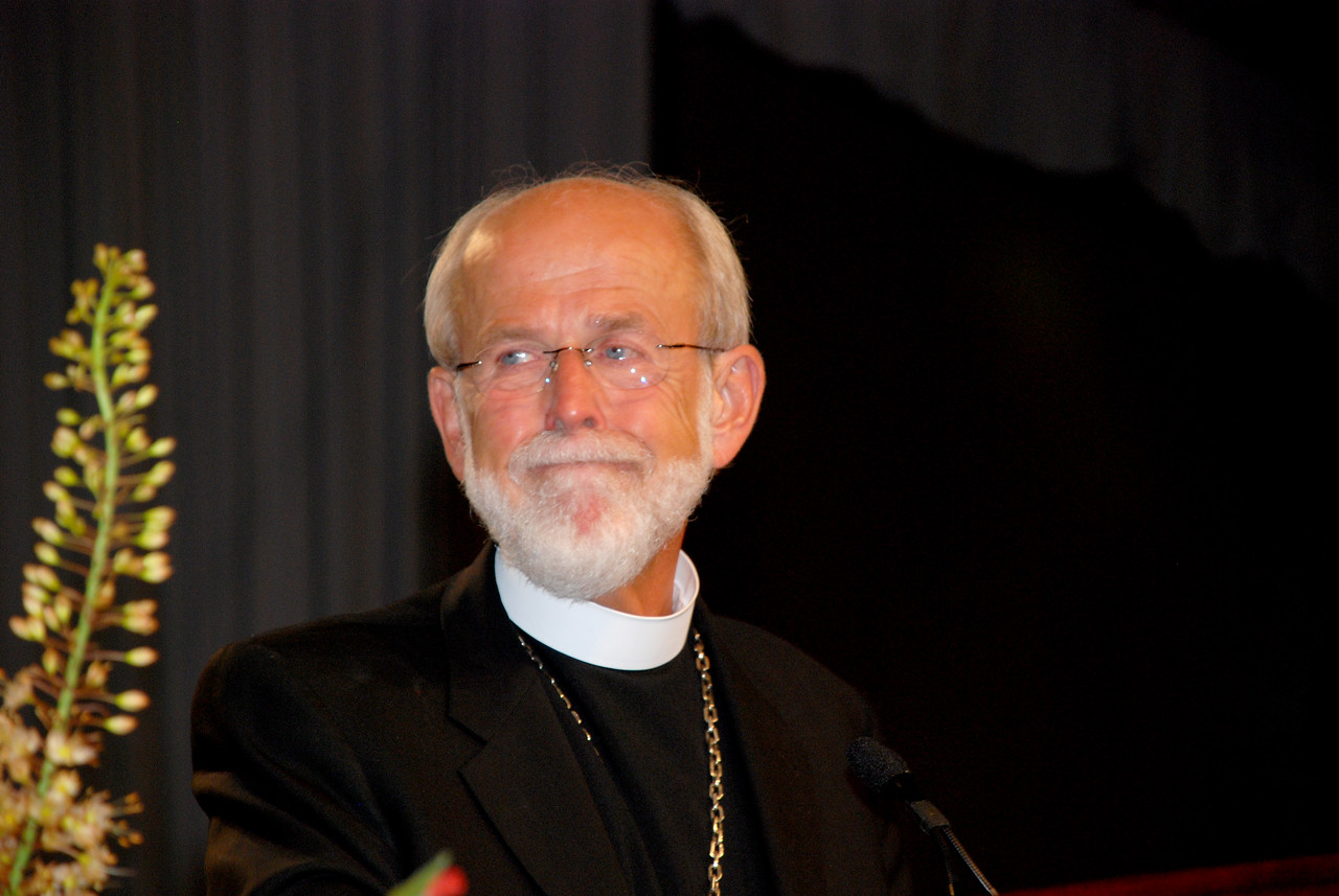 Bishop Hanson taking the stage after being named the Presiding Bishop of the ELCA.