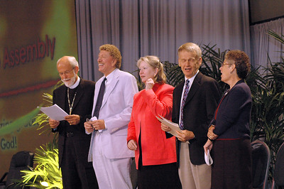 Mark Hanson, Bishop, ELCA, Bishop Leonard Bolick, North Carolina Synod, Beth Lewis, CEO, Augsburg Fortress Publishers, The Rev. Stanley Olson, ELCA Vocation and Education and Dr. Diane Jacobson, associate in ministry, Luther Seminary, St. Paul, Minn.