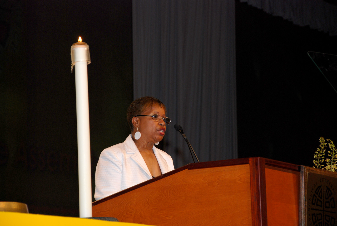 Connie Thomas, ELCA Church Council, addressing voting Members on Tuesday's Plenary session.