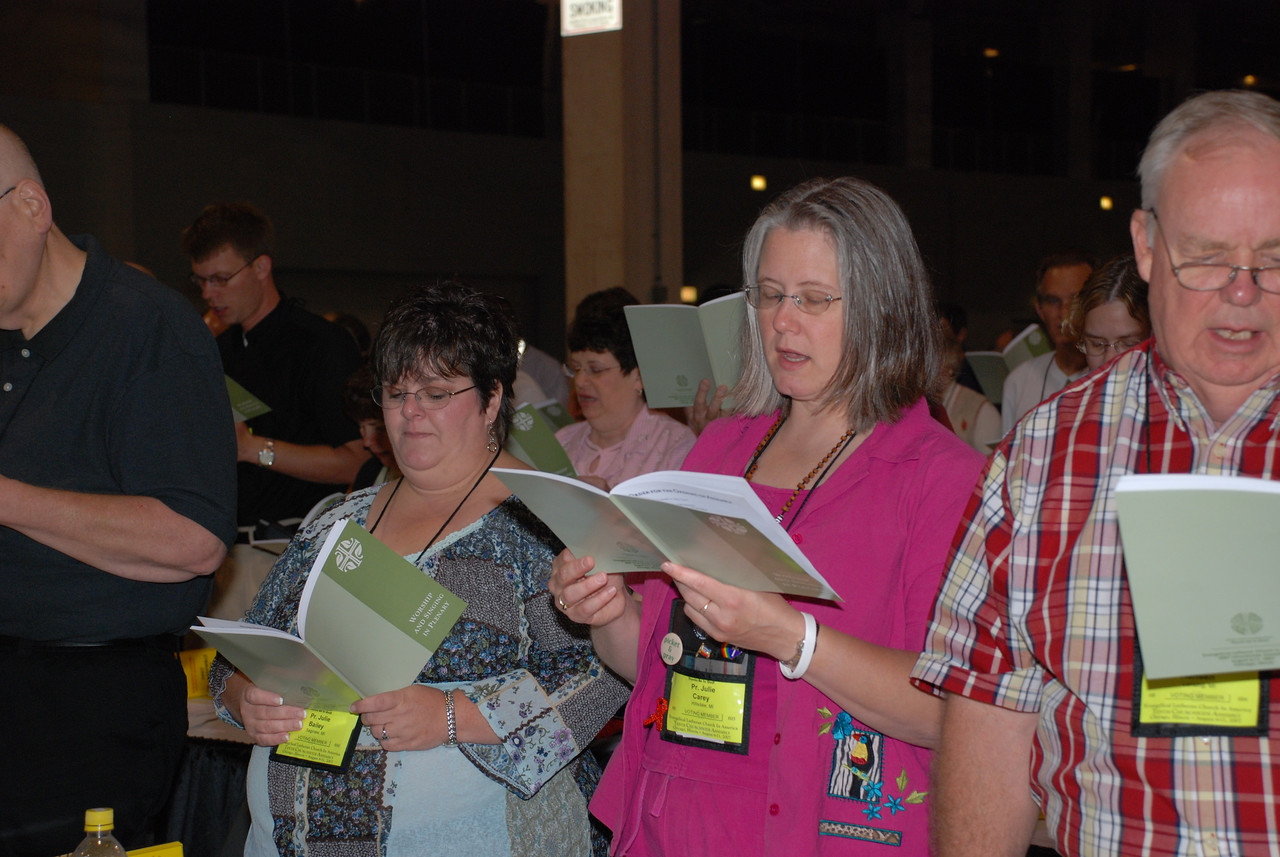 Voting Members during service at Plenary session 4 at Churchwide Assembly.