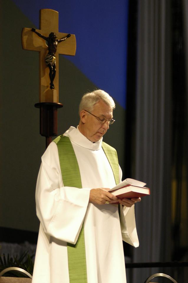 Rev. Lowell Almen preaching during Wednesday worship service