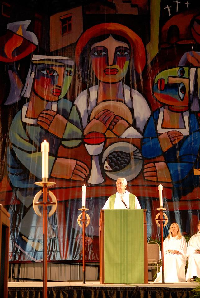 Worship service, Secretary Lowell Almen