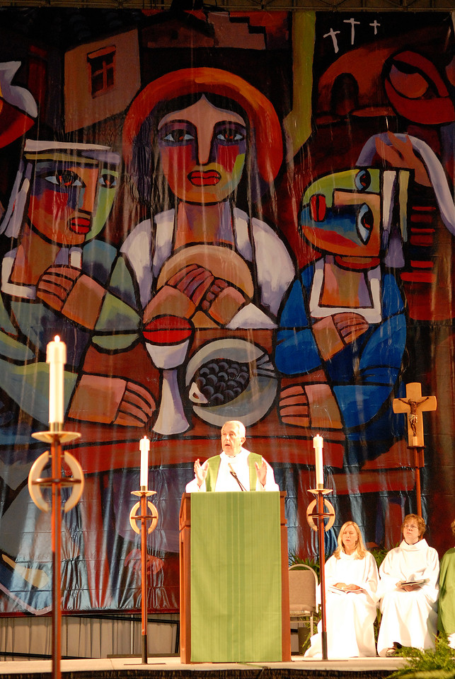Secretary Lowell Almen gives his sermon during Wednesday's worship service.