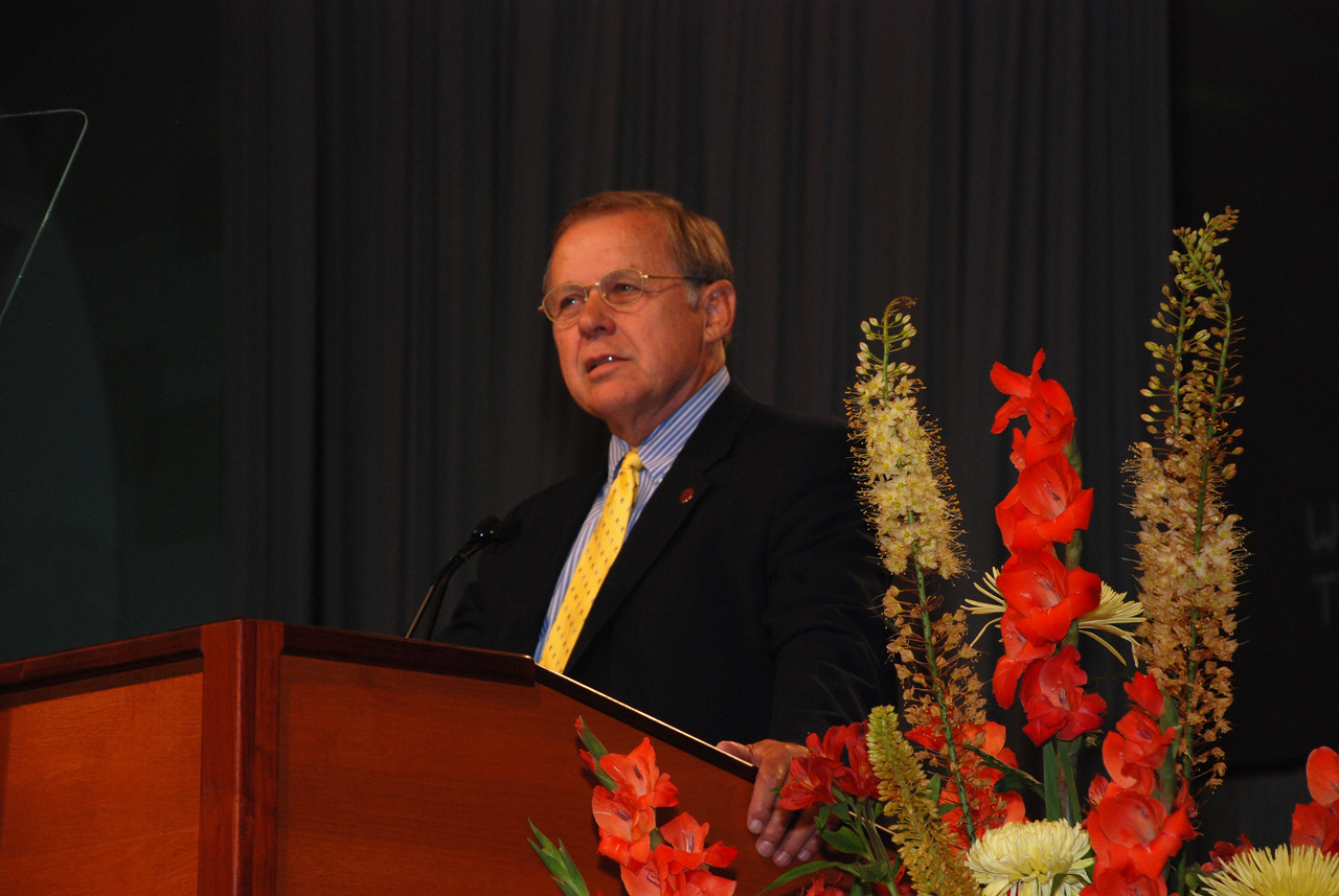 Dr. David Tiede addressing the Plenary 5 session on Wednesday.