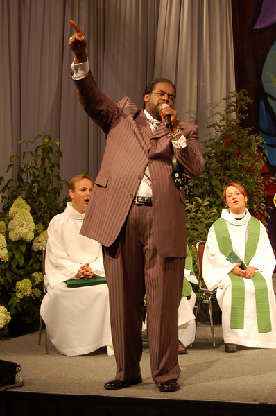 Assembly participants are nourished by the diversity and quality of worship at the assembly. During one worship service, Tony Award-winning Roosevelt Andre Credit filled the hall with songs of joy and praise. Beyond his incredible vocal talents, Credit is noted for his community involvement and philanthropic activities. In fact, Credit was a featured performer at the 2009 Presidential Inaugural Ball in Washington, D.C.