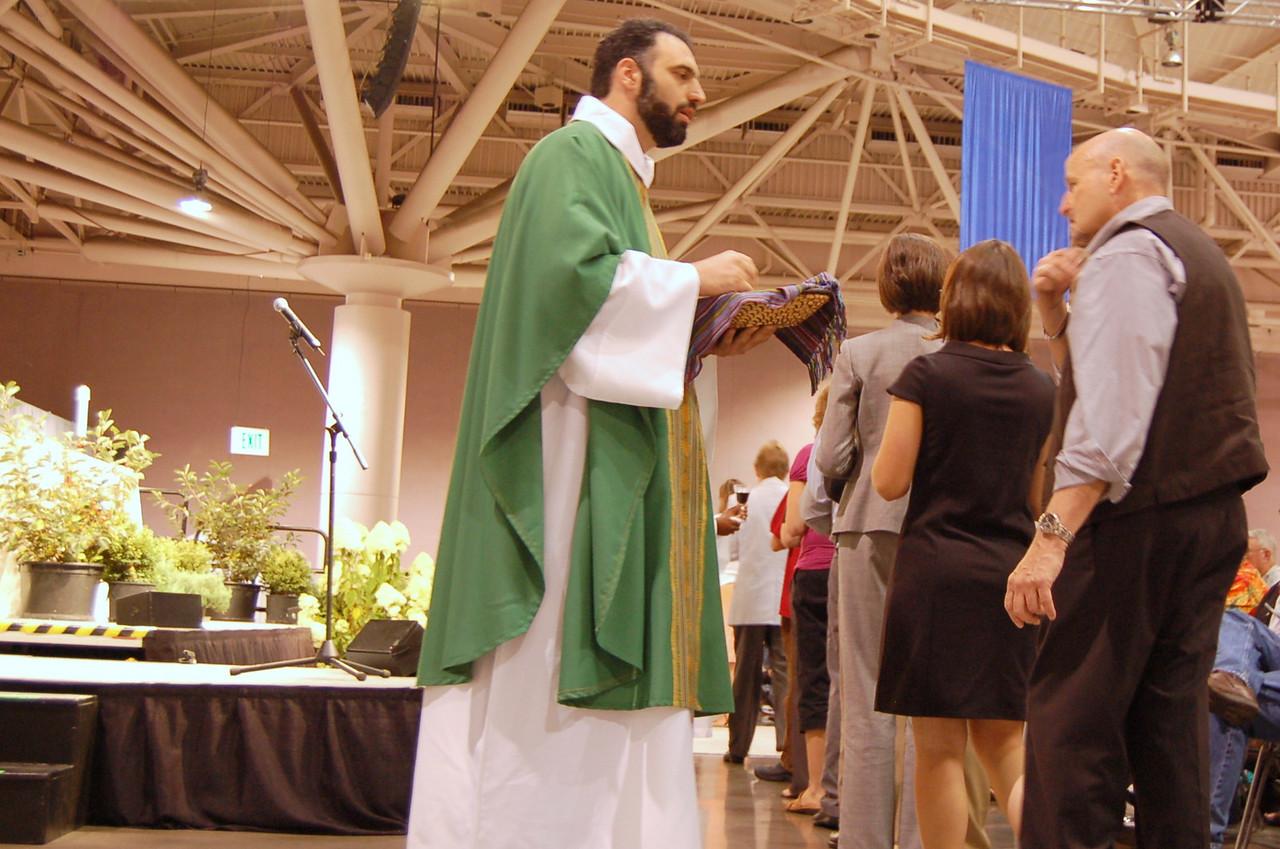 The Rev. Rani Abdulmasih, presiding minister.