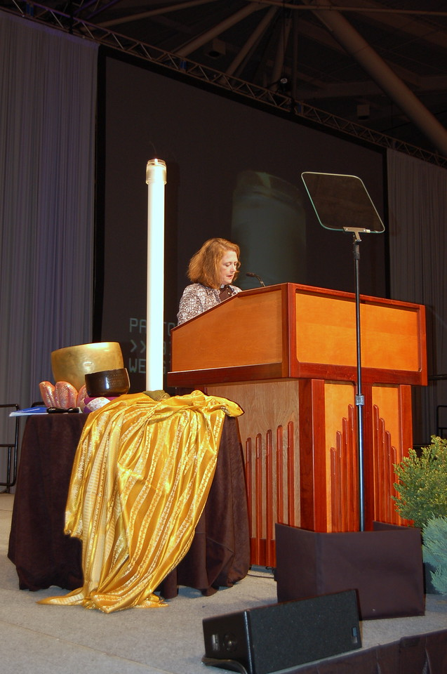 Pr. Rachel Connelly, Church Council member, leads the asembly in the closing prayer.