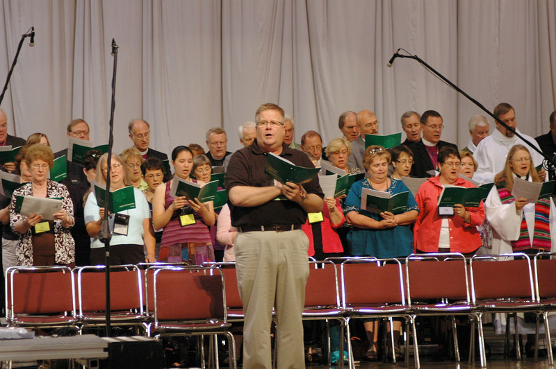 Scott Weidler, associate director for worship and music, directs the choir.