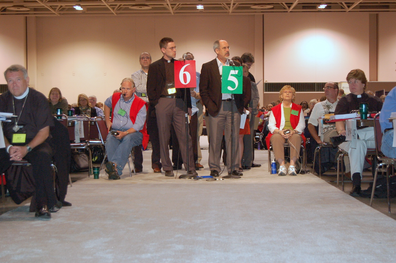Bishop David Brauer-Rieke, Oregon Synod, speaks to an issue during plenary session eight.