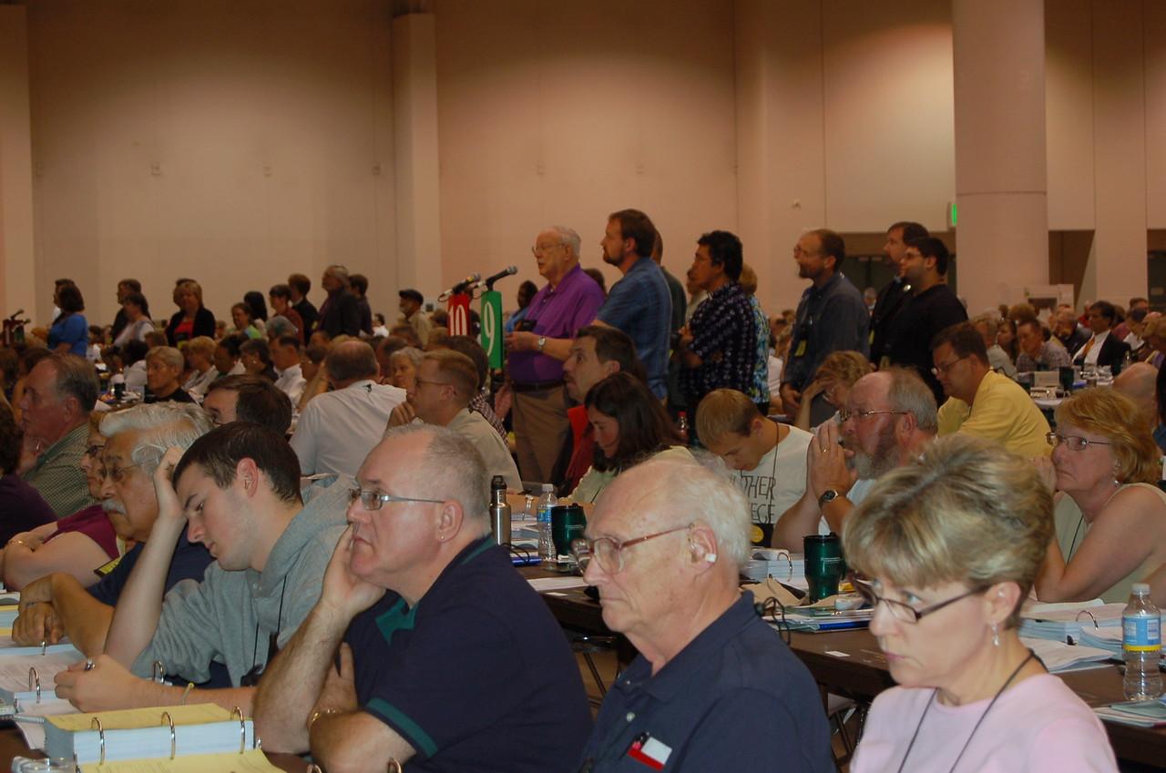 John Seng, Northeastern Ohio Synod, speaks to an issue.