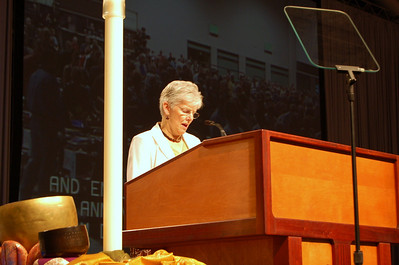 Ann Nierdringhaus, Duluth, Minn., leads the 2009 ELCA Churchwide Assembly in opening prayer during plenary session eight.  Niedringshaus is a member of the ELCA Church Council.