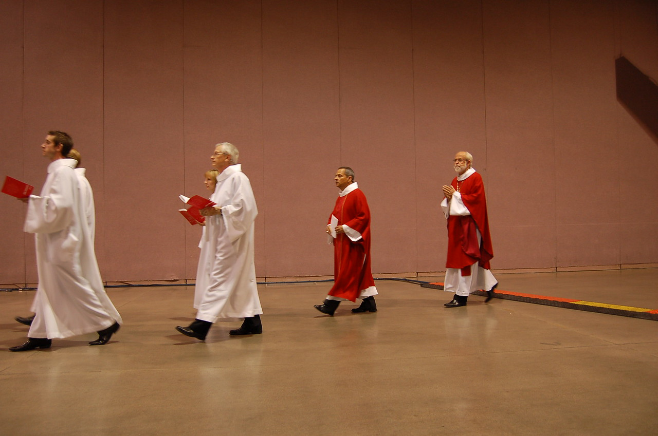 The four officers of the ELCA enter opening worship.
