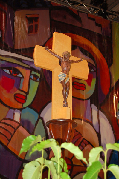 The crucifix used at the worship services.