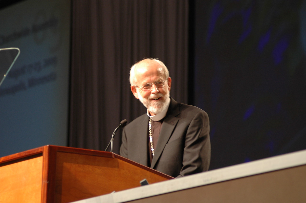 Presiding Bishop Mark S. Hanson opens the 2009 Churchwide Assembly.