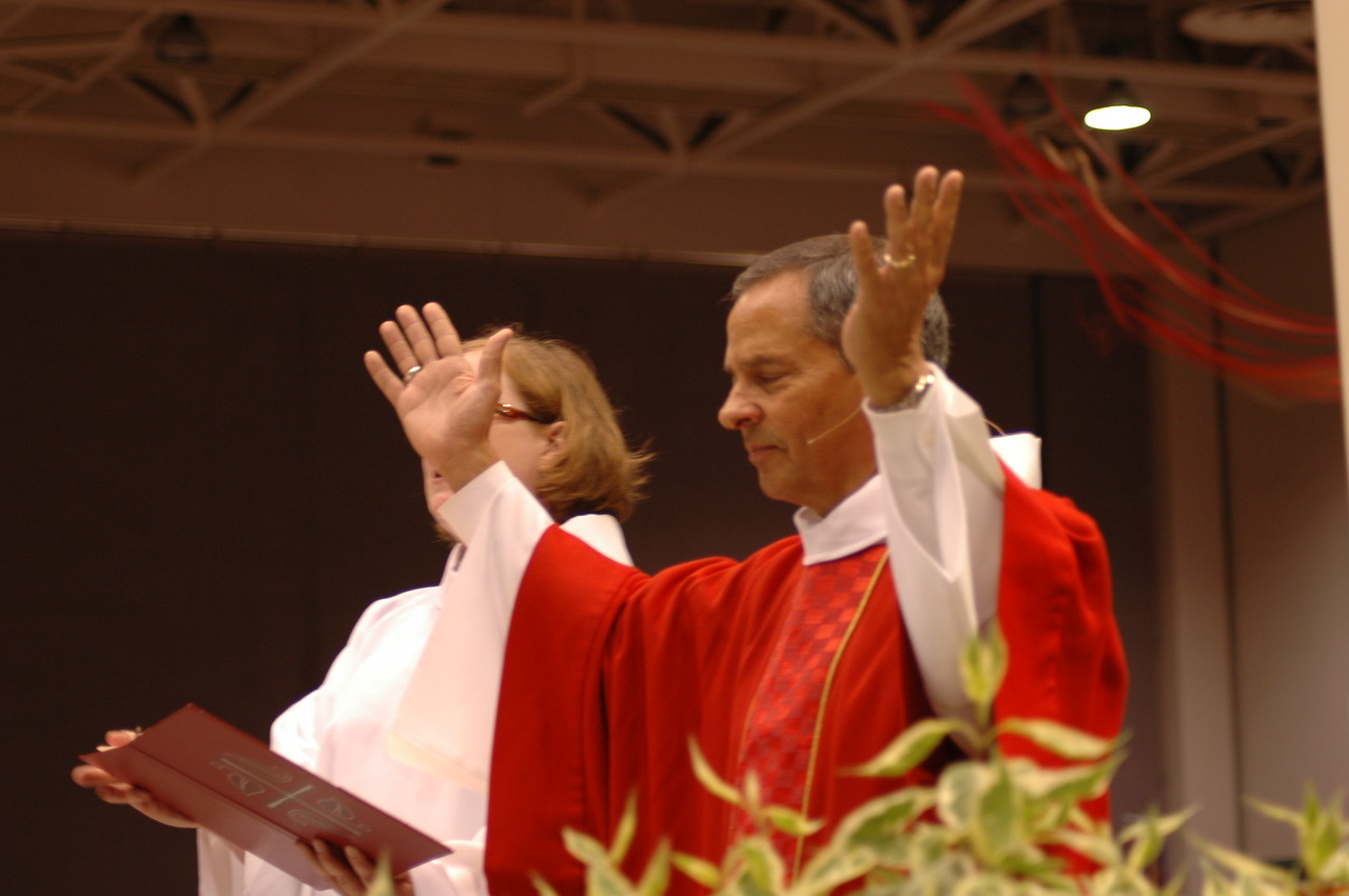 The Rev. Jennifer Ollikainen, associate for worship resources, and Vice-President Carlos Pena at opening worship.