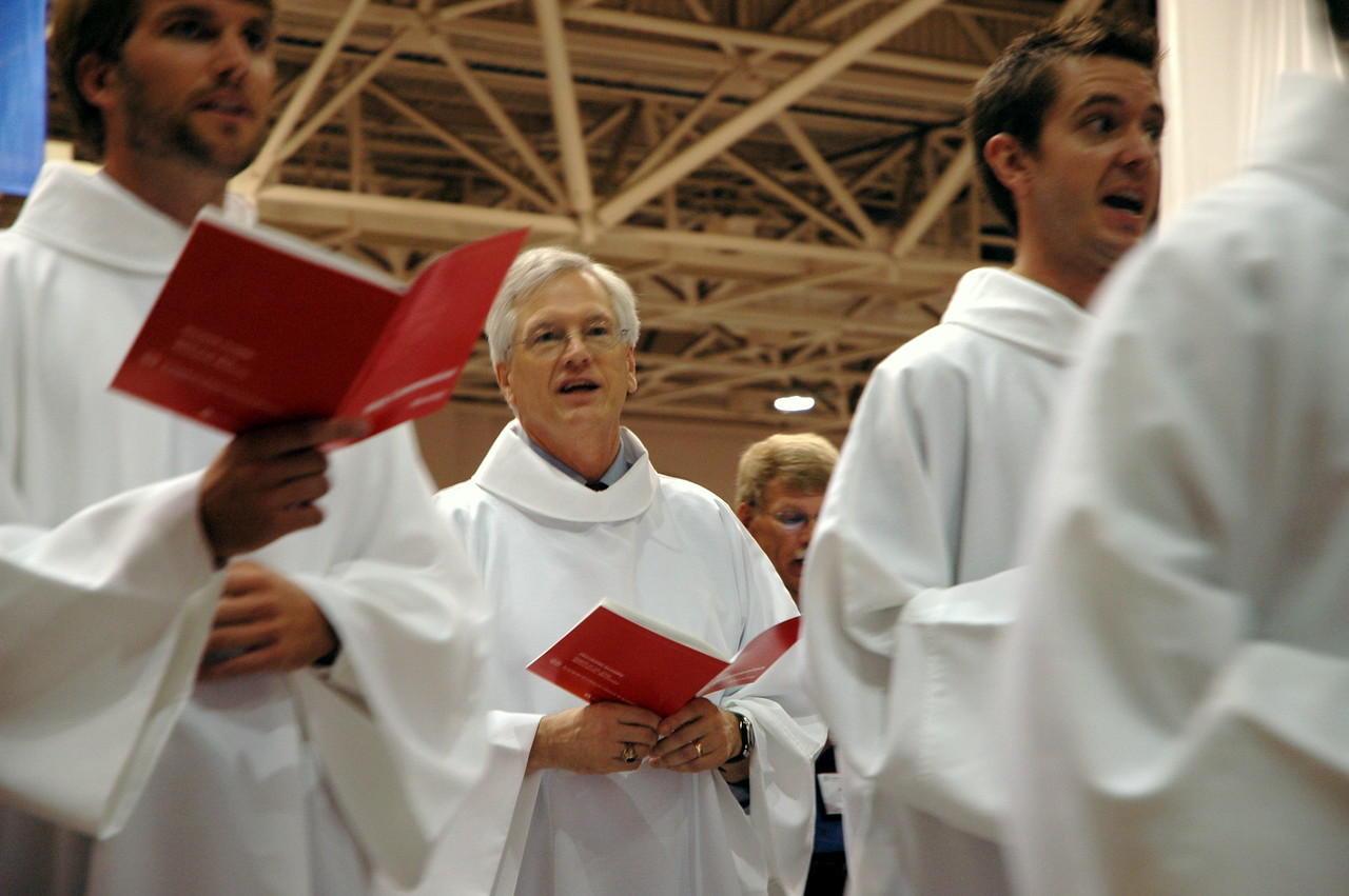 Secretary David Swartling during the opening worship procession.