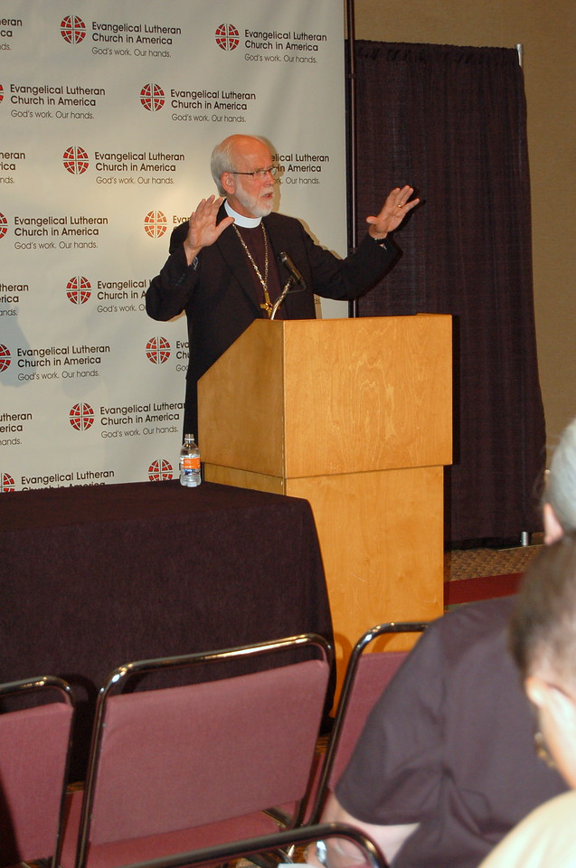 Presiding Bishop Mark S. Hanson at the news conference.