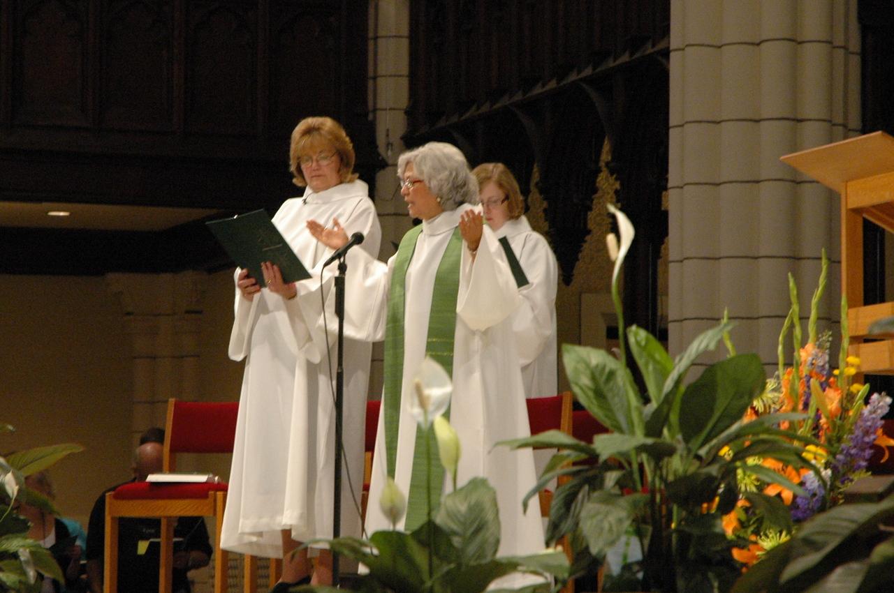 Kris Perry, Diaconal Minister, assisting minister, and the Rev. Sylvia De La Garza, presiding minister.