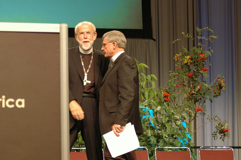 Presiding Bishop Mark S. Hanson and the Rev. Gerald Kieshnick, president of The Lutheran Church-Missouri Synod