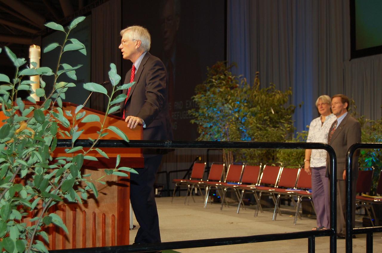 Sectretary David D. Swartling thanking retiring Lutheran Immigration and Refugree president, Ralston H. Deffenbaugh, Jr.