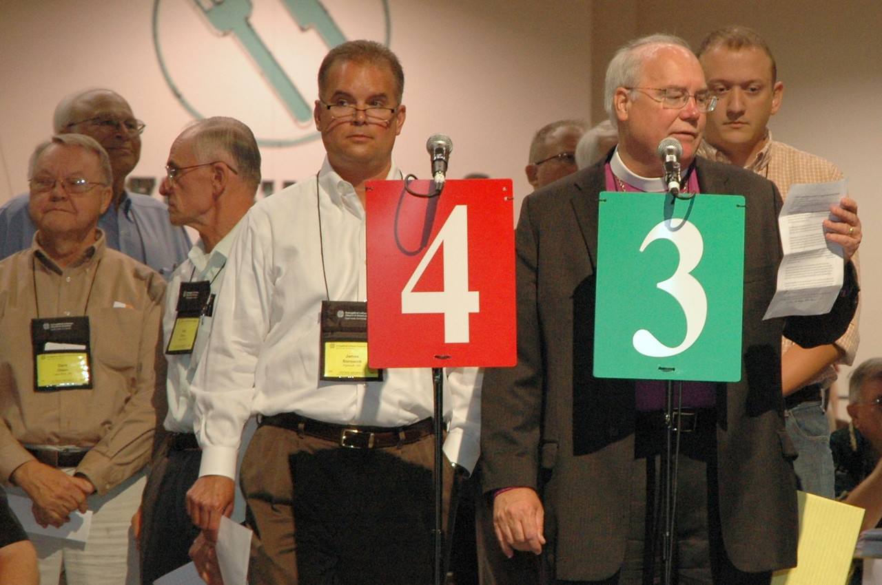 Bishop Craig Johnson, Minneapolis Area Synod, takes a turn at the microphone.