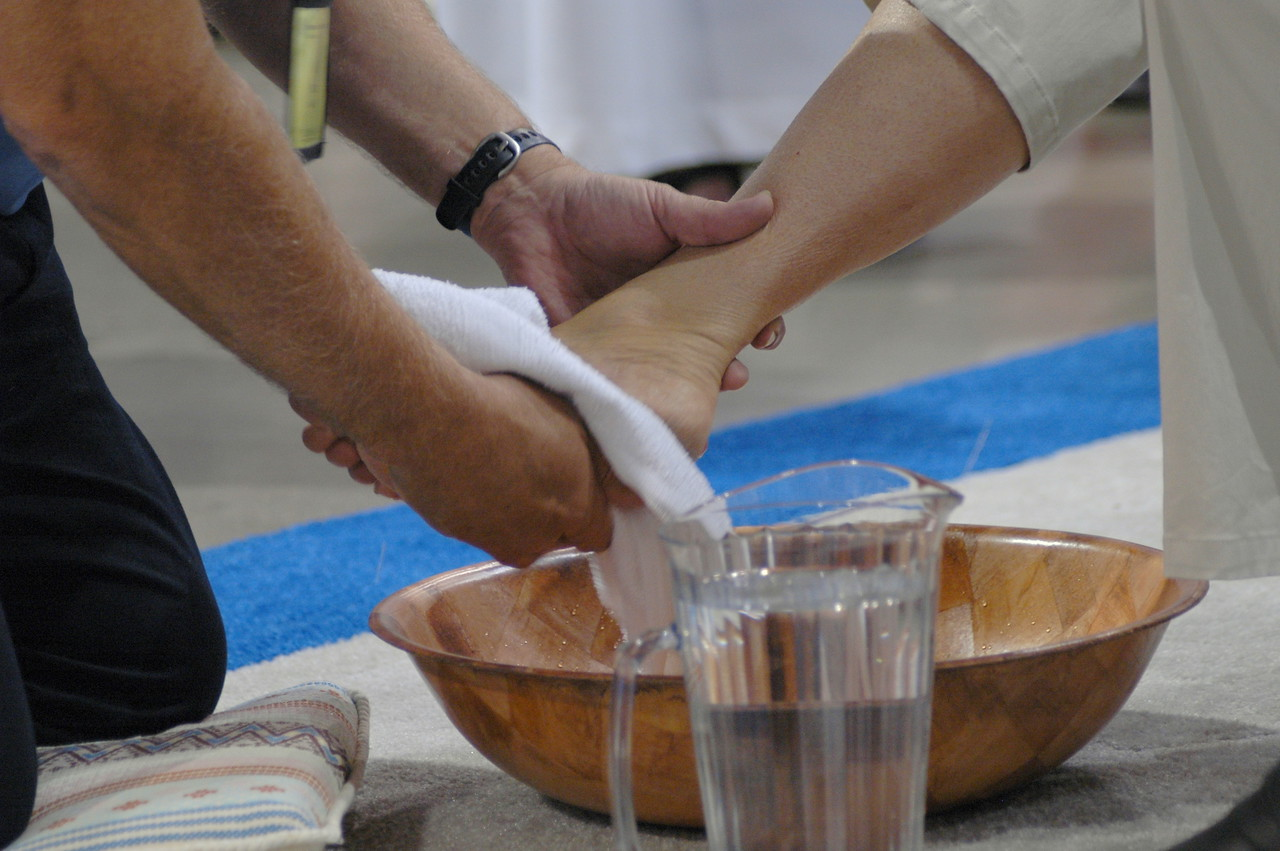 Footwashing is offered at Thursday's worship.