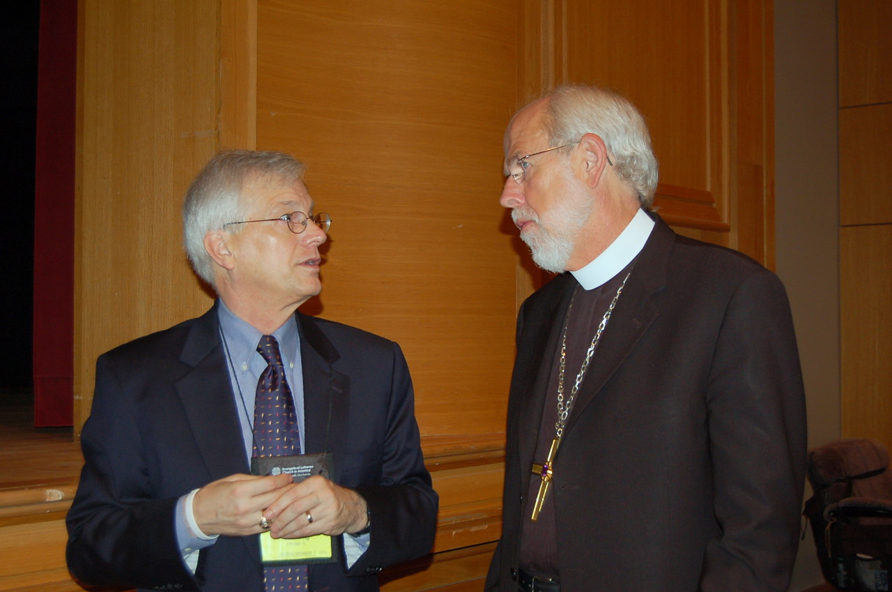 Secretary David Swartling and Presiding Bishop Mark Hanson discuss the events for the day.
