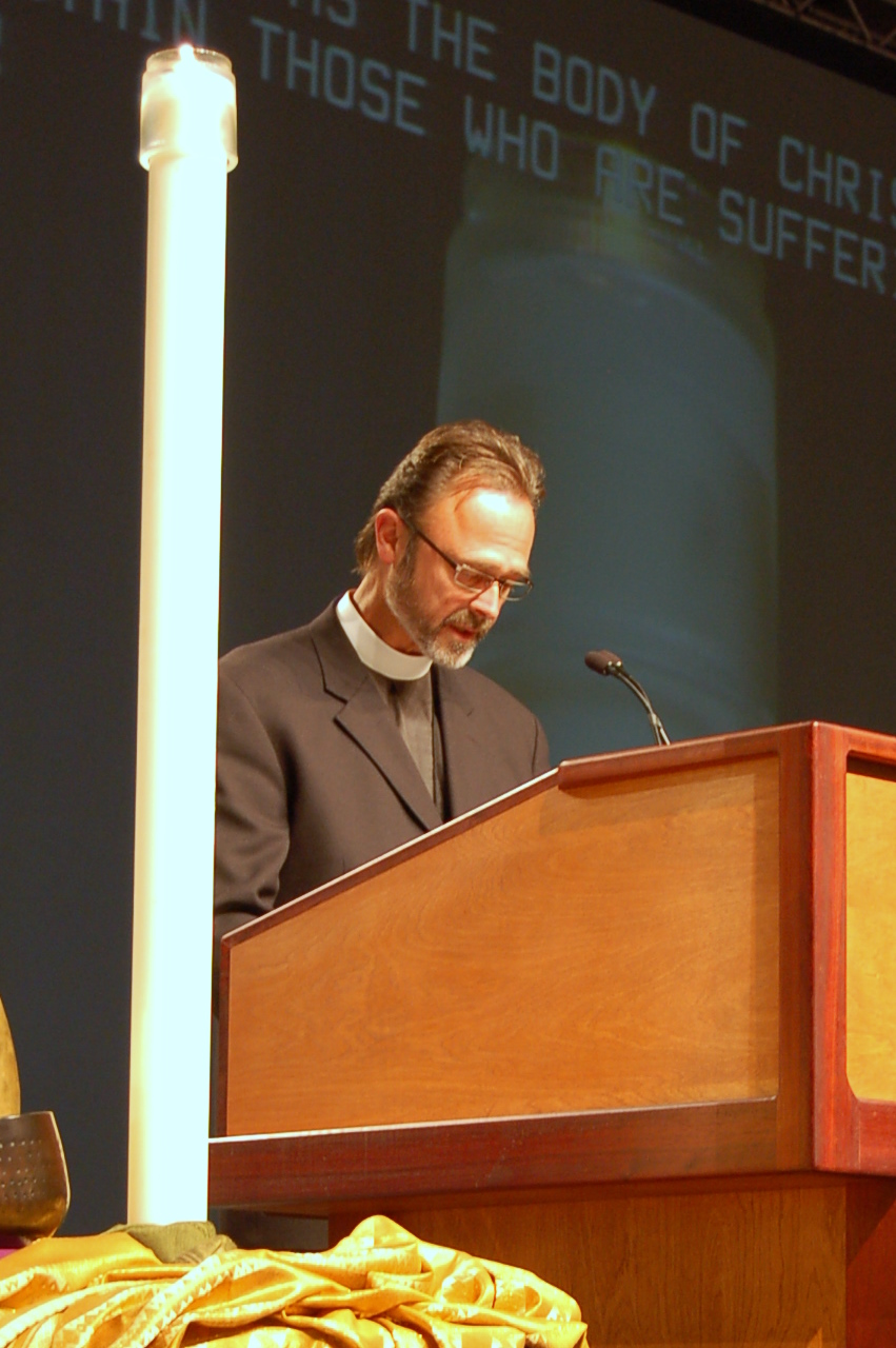 Pastor David Jensen, a member of the Church Council from Minocqua, Wisconsin, leads the closing prayer.