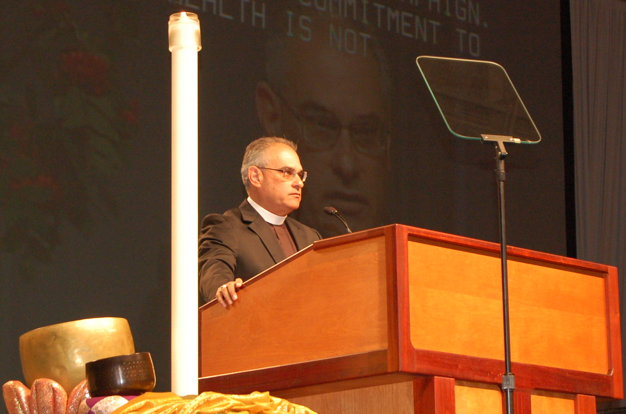 The Rev. Rafael Malpica-Padilla, executive director, ELCA Global Mission Unit, addresses the 2009 Churchwide Assembly.