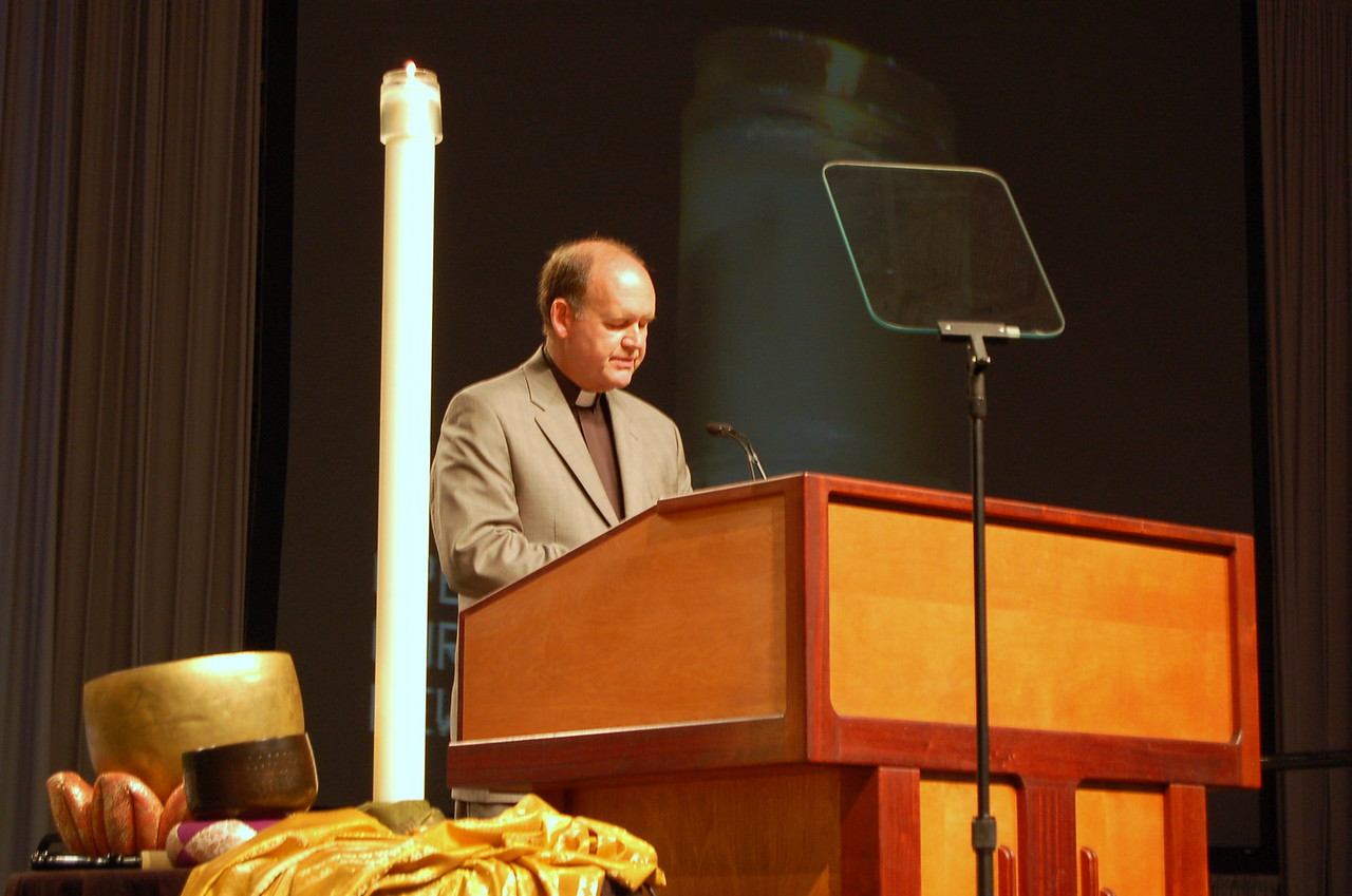Pr. John Richter, a member of the Church Council from Allentown, Pa. led the assembly in a closing prayer.