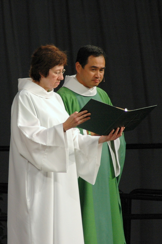 Sr. Virginia Strahan (Assisting Minister) and Pr. Lit-Inn Wu (Presiding Minister)