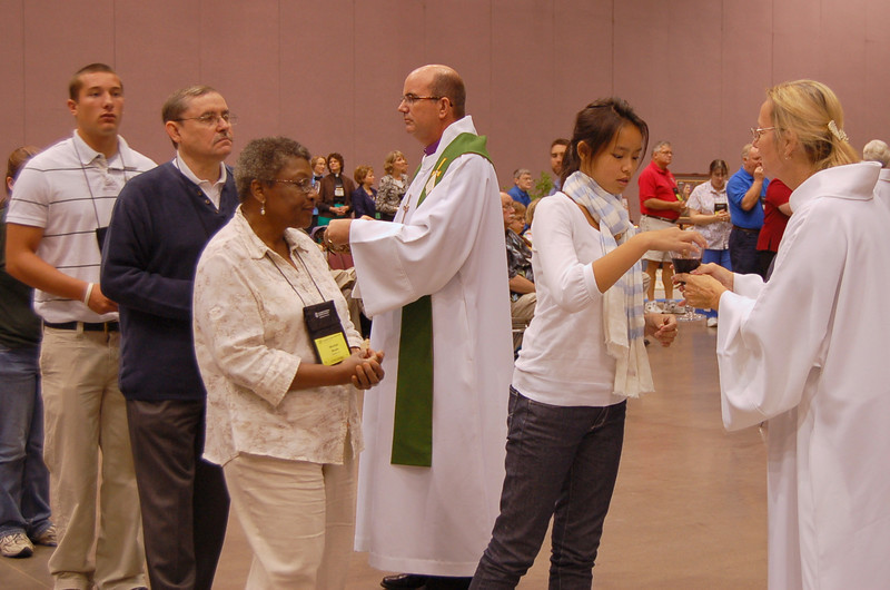 Voting members share the sacrament of Holy Communion at Wednesday worship.