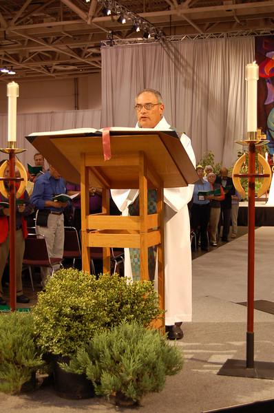 The Rev. Rafael Malpica-Padilla reads the gospel lesson for the worship service.