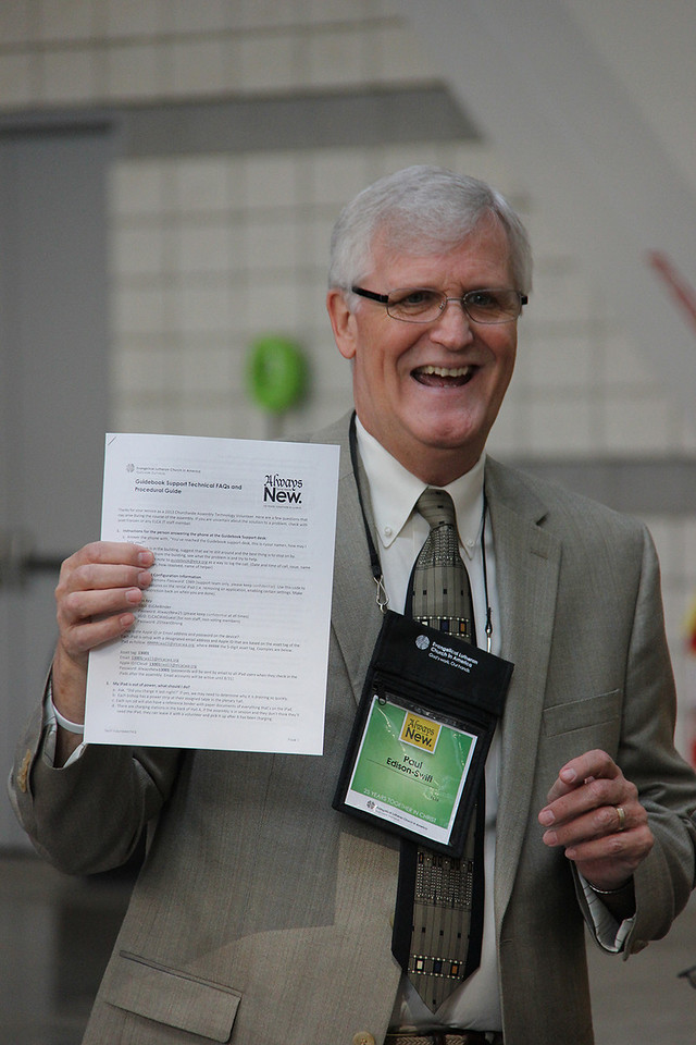 Paul Edison-Swift instructs the Guidebook volunteers.