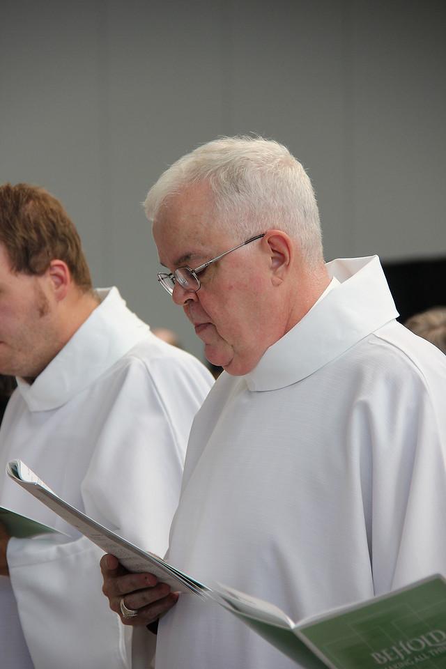 Bishop Robert Rimbo, ELCA Metropolitan New York Synod, participates in worship.
