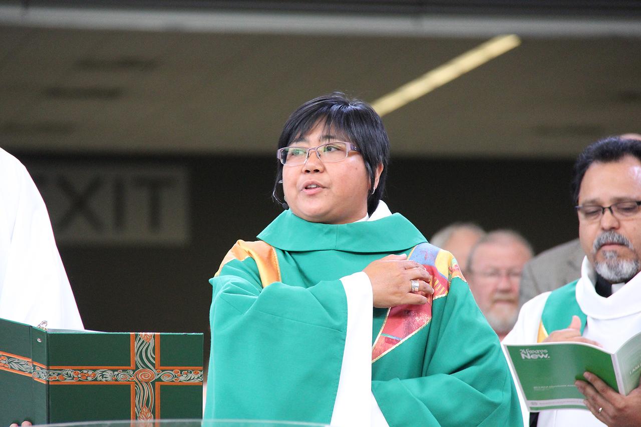 The Rev. Teresita Valeriano serves as presiding minister during Friday's worship.