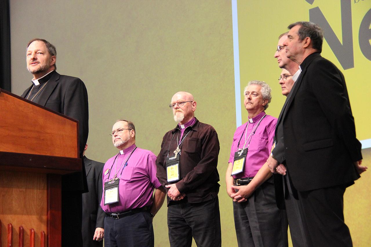 Bishop Kurt Kusserow of Southwestern Pennsylvania Synod, brings a greeting on behalf of Region 8.